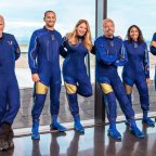Bilionário Richard Branson chegará ao espaço no primeiro lançamento totalmente tripulado da Virgin Galactic